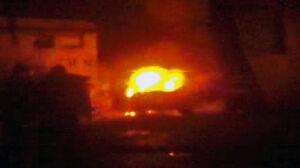 Pożar volkswagena na Pradze Północ