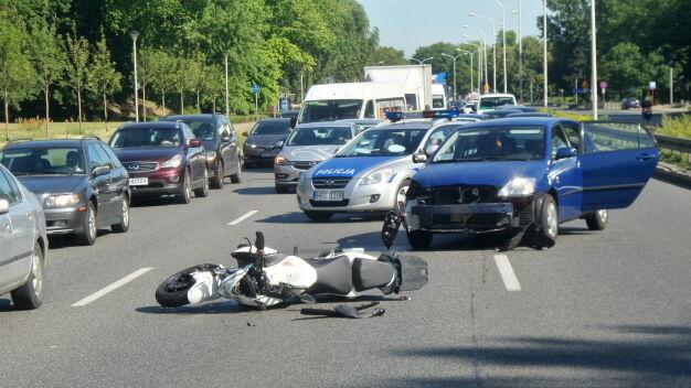 Wisłostrada: motocyklista ranny, korek miał ponad dwa kilometry