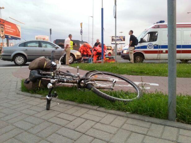 Potrącenie rowerzystki Szymon / warszawa@tvn.pl