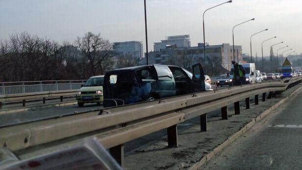 Wypadek w al. Armii Ludowej Karol / warszawa@tvn.pl