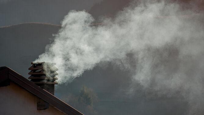 Poziom zanieczyszczeń poszybował w górę. Smog dusi prawie całą Polskę
