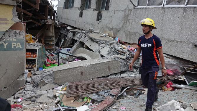 Co najmniej trzy ofiary śmiertelne <br />trzęsienia ziemi na Filipinach