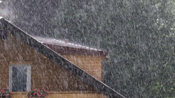 Pogoda na 5 dni: burze, intensywne opady i sporo śniegu w górach