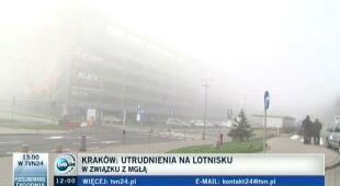 Mgła sparaliżowała lotnisko w Balicach (TVN24)